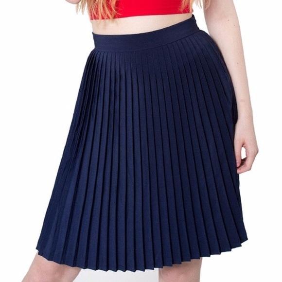 American Apparel -Pleated skirt